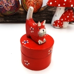 Box with Cat (red)