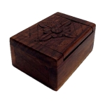 Small wooden box with Flower