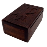 Small wooden box with Gecko