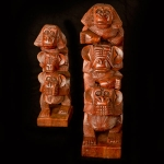 Column of 3 carved wooden monkeys