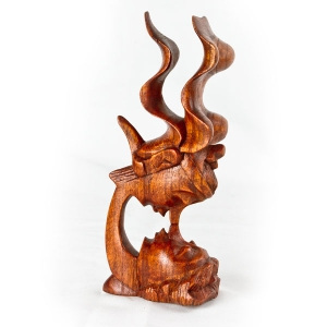 'Windswept Kiss' wooden carving